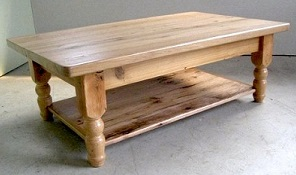 Renover table basse courroie de transport - Customiser une table en bois ...